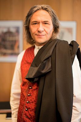 Rechtsanwalt Joachim Stickel in der Kanzlei
